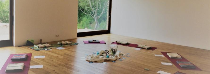 Yoga-Studio-2-1370x485